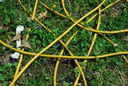 Ground with yellow loops_780.jpg